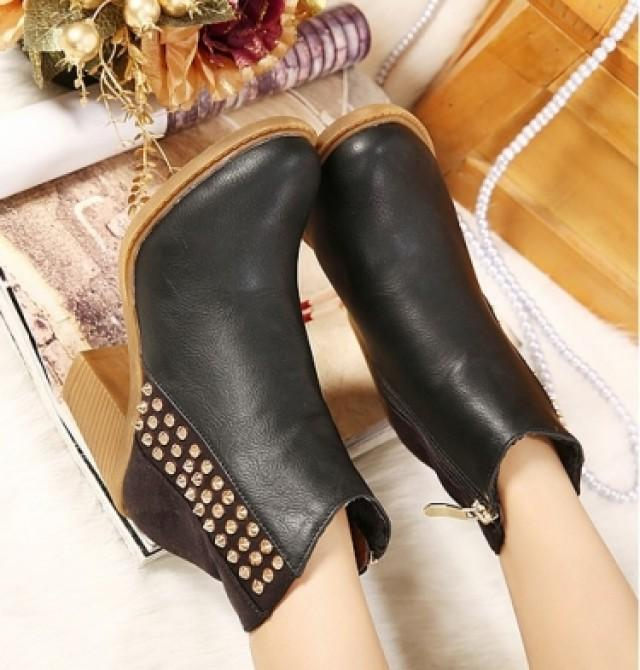 wedding photo - Western Style Thick Heel Shoes Short Boot Black BT0589