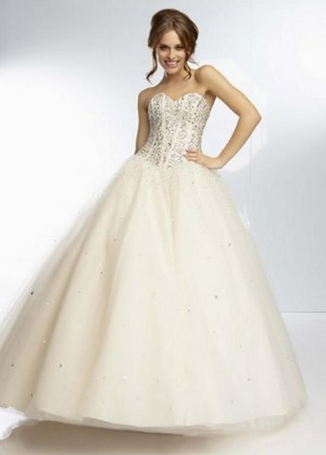 wedding photo - http://www.2014dressprom.com/2014-best-seller-beaded-champagne-ball-gown-by-mori-lee-p-1177.html#