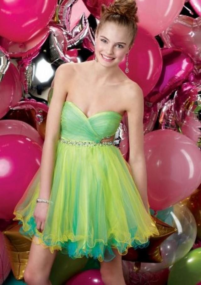 wedding photo - Yellow Green Pleated Strapless Dress for Prom