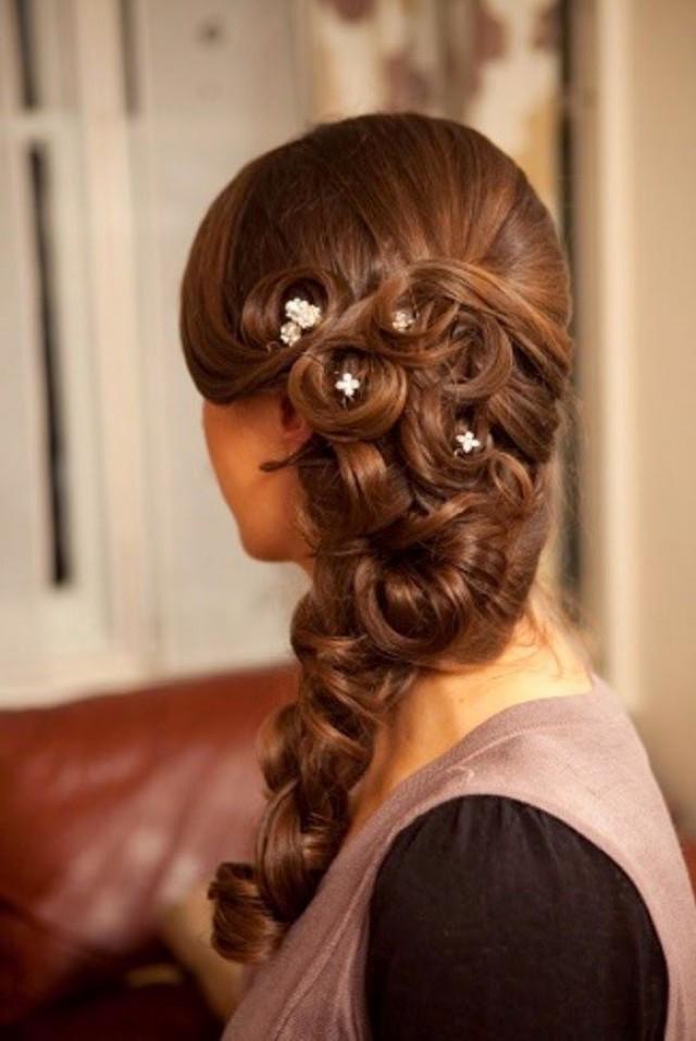Причёски для густых волос на свадьбу