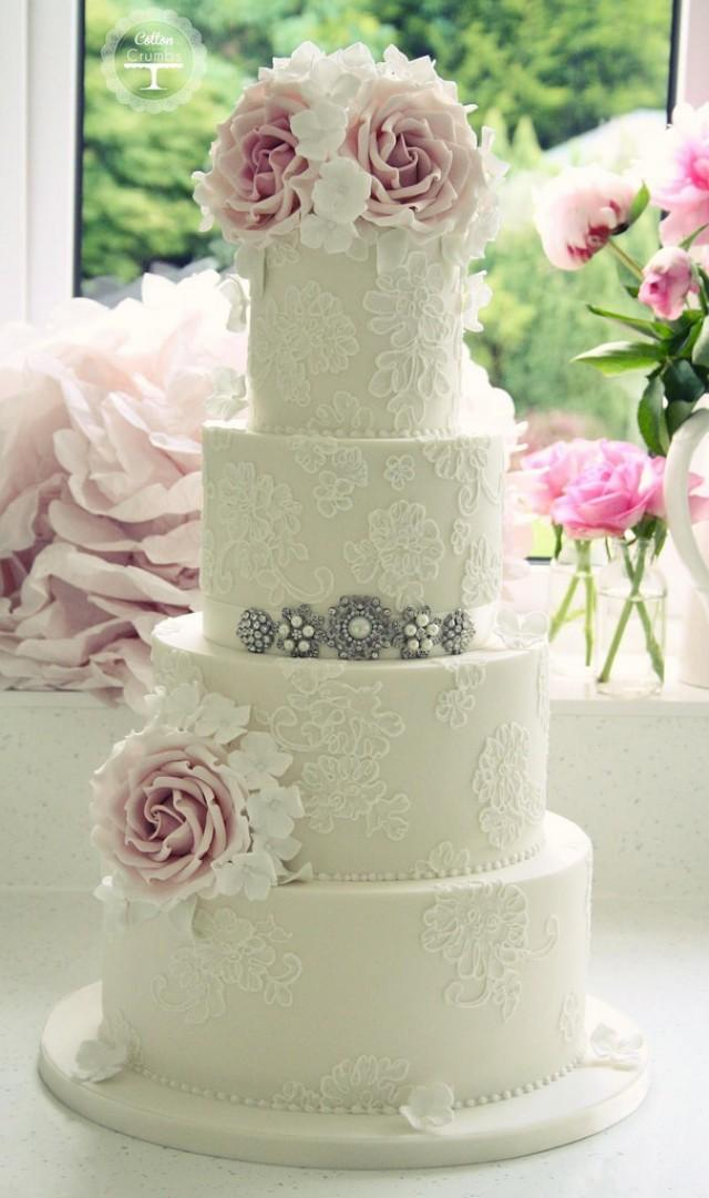 Wedding cakes brush embroidery cake