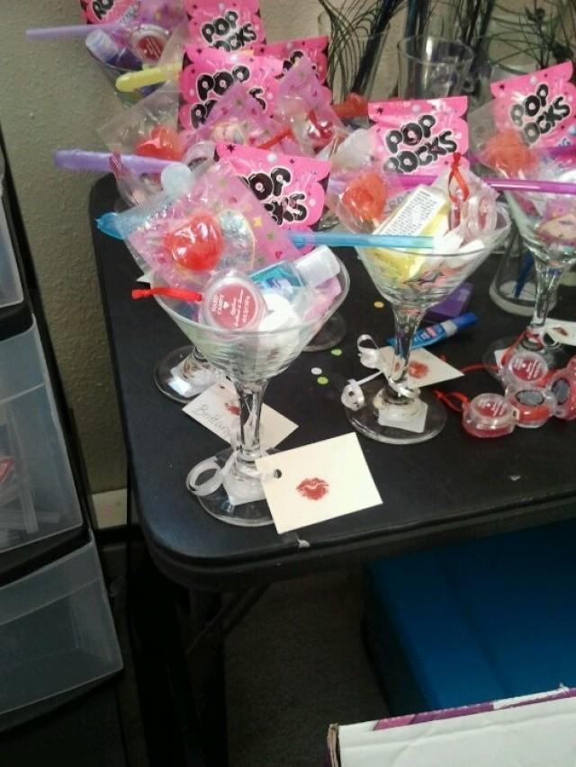 Bachelorette party ideas bridal shower 2128279 weddbook for Bachelorette party decoration ideas diy