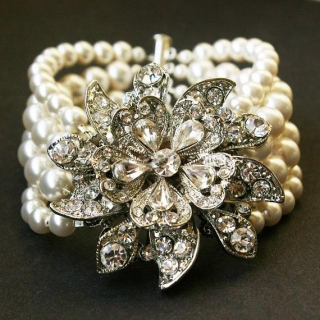 Vintage Style Bridal Bracelet Ivory White Pearl Wedding Bracelet Victorian Wedding Bridal