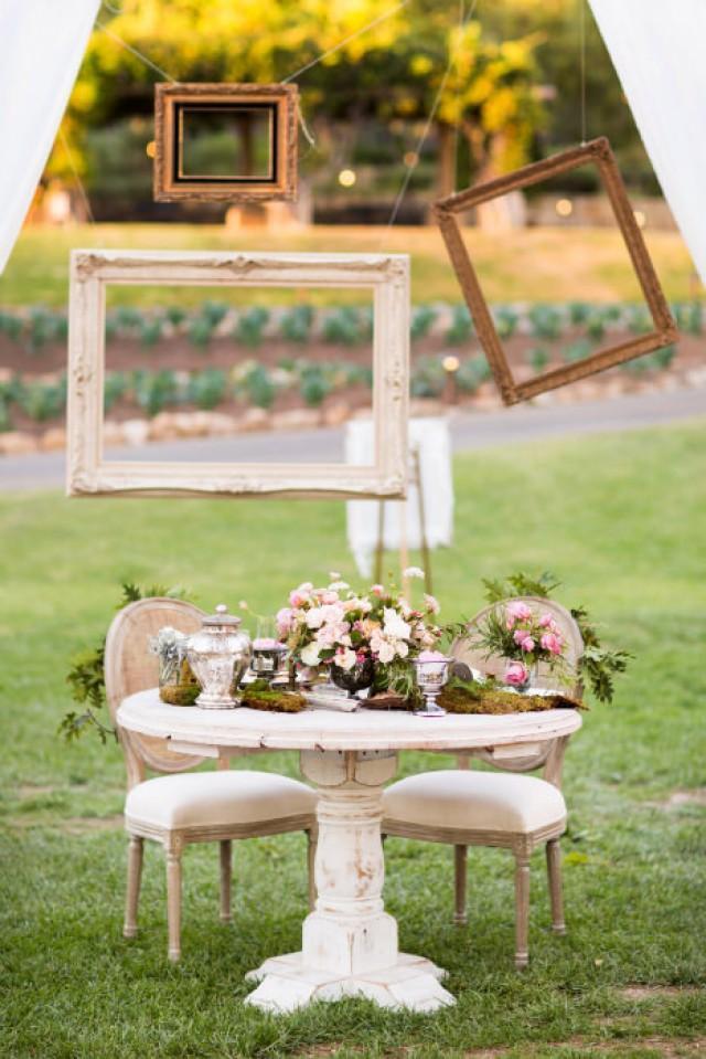 10 creative ways to use frames for your wedding decor 10 creative ways to use frames for your wedding decor weddingomania weddbook junglespirit Choice Image