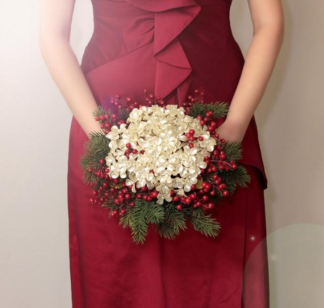 Christmas Wedding Flower Ideas: Winter Wedding Holiday Bridal Bouquet