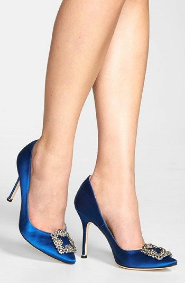 manolo blahnik hangisi heel height measurement