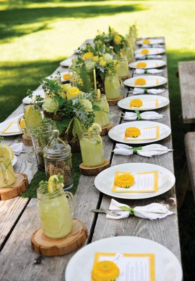Tablescapes entertaining 2154638 weddbook for Outdoor brunch decorating ideas