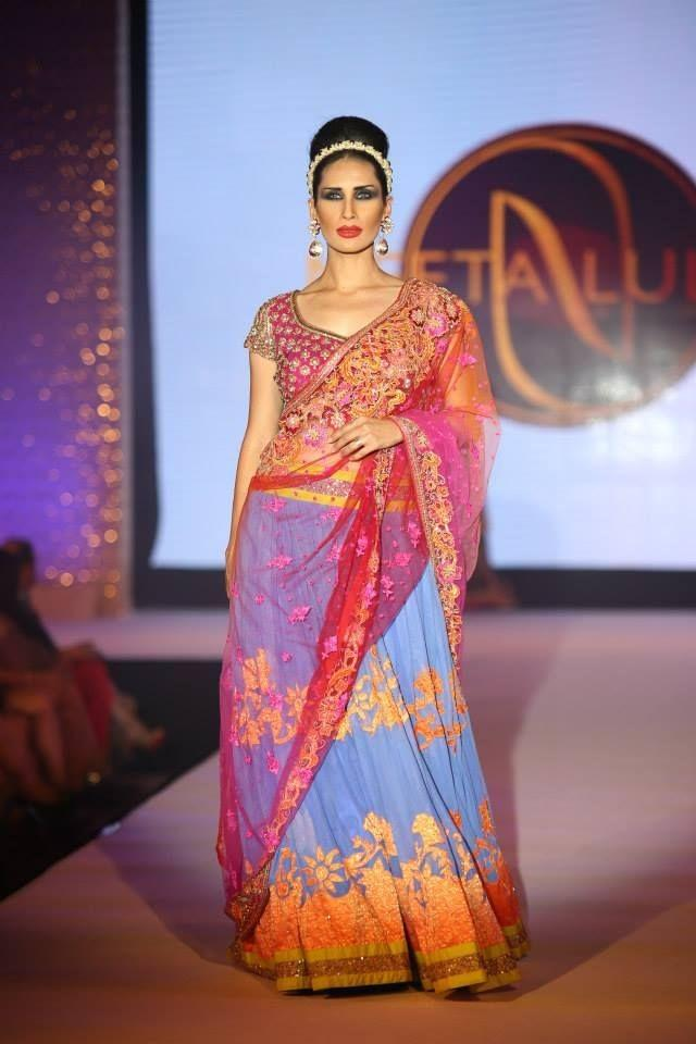 Hindu Bridal Mantra Fashion Show In Dubai Indian Wedding