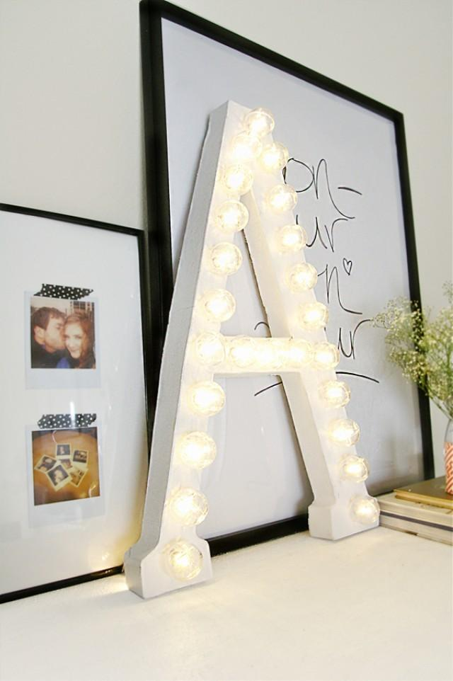 diy tutorial f r buchstaben lichter ein trend der gerne. Black Bedroom Furniture Sets. Home Design Ideas