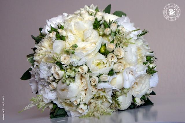 wedding photo - Exclusive bridal bouquet