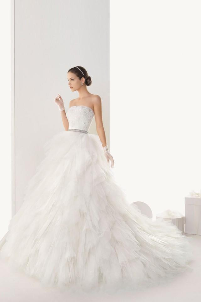 wedding photo - Gorgeous Strapless Tulle Empire Dress for Wedding with Lace Wrap