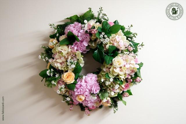 wedding photo - Wedding flower wreath