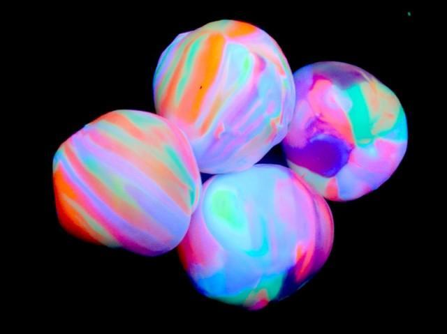 How To Make Homemade Glowing Bouncy Ball Diy Crafts Handimania
