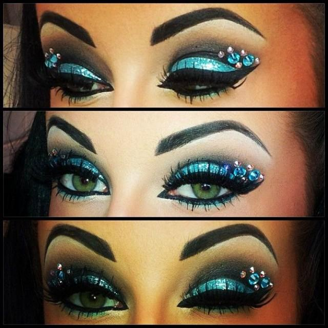 Rhinestones for eyes makeup