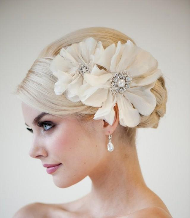 wedding photo - Bridal Head Piece, Bridal Fascinator, Wedding Hair Accessory, Bridal Flower Hairclip - Rhianna