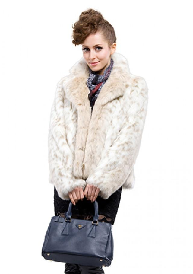 wedding photo - Faux white leopard print wolf fur women short coat