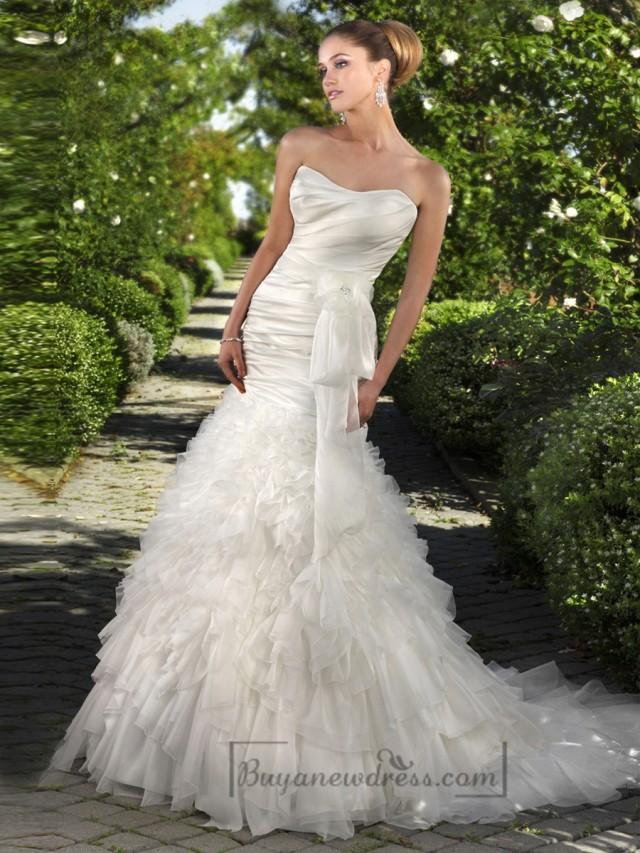wedding photo - http://www.buyanewdress.co.uk/strapless-fit-and-flare-ruched-bodice-wedding-dresses-with-ruffled-skirt-p-2260.html