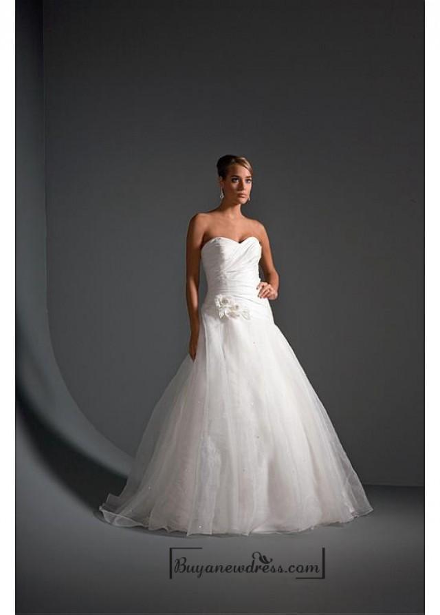 wedding photo - Beautiful Elegant Exquisite Satin Wedding Dress In Great Handwork