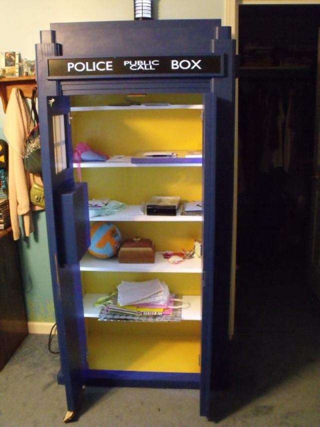 How To Make Tardis Bookshelf