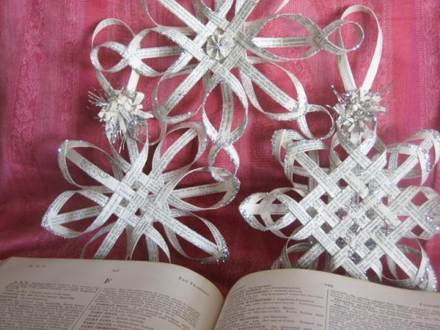 How to make old book pages stars diy crafts for How to make an old book