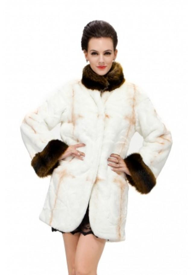 wedding photo - Ladies fur coat with faux white cross pattern fox fur with brown bunny fur