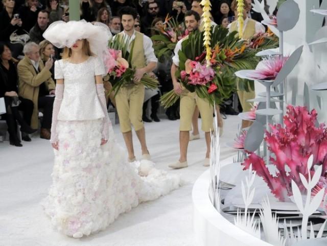 404601f3cd2f Chanel Couture Spring 2015 wedding - Brooklyn Bride - Modern Wedding Blog