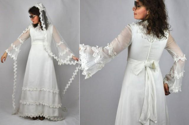 60s lace wedding dress bell sleeves long lace net veil for Wedding dress bell sleeves