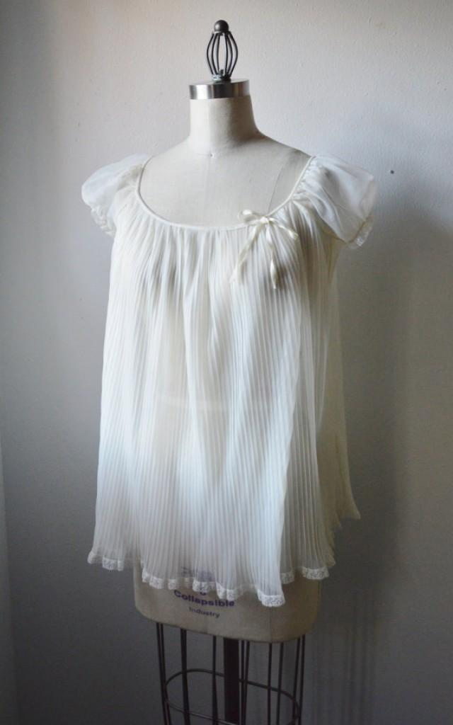 ae050a2e32 Vintage Lingerie 1950s Babydoll NightGown Miss Elaine Lingerie White Sheer  Nighty Pleated BabyDoll with Puff Sleeve Lace Trim Size Small