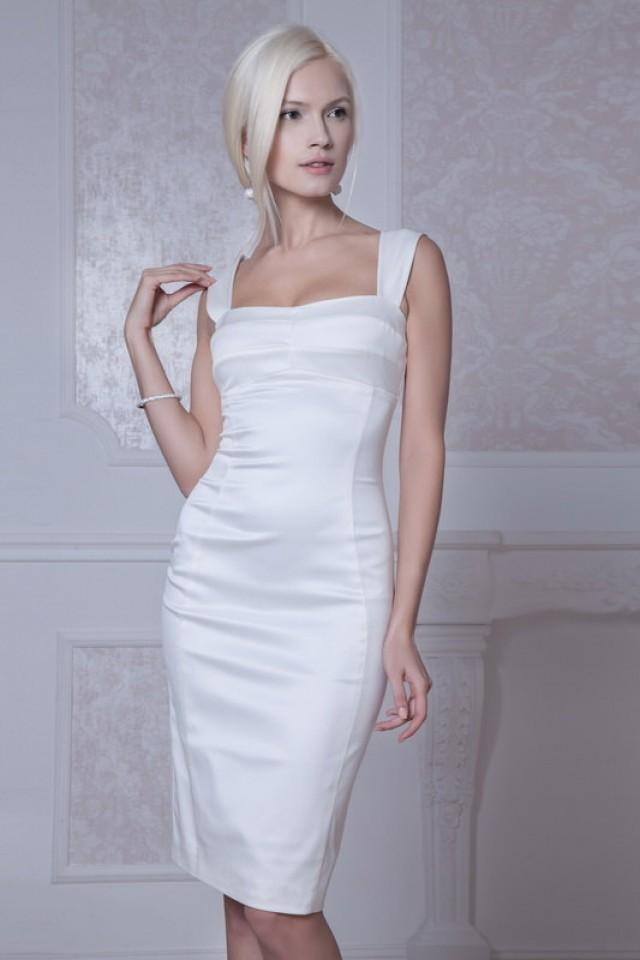 wedding photo - Fitted style short wedding dress M36