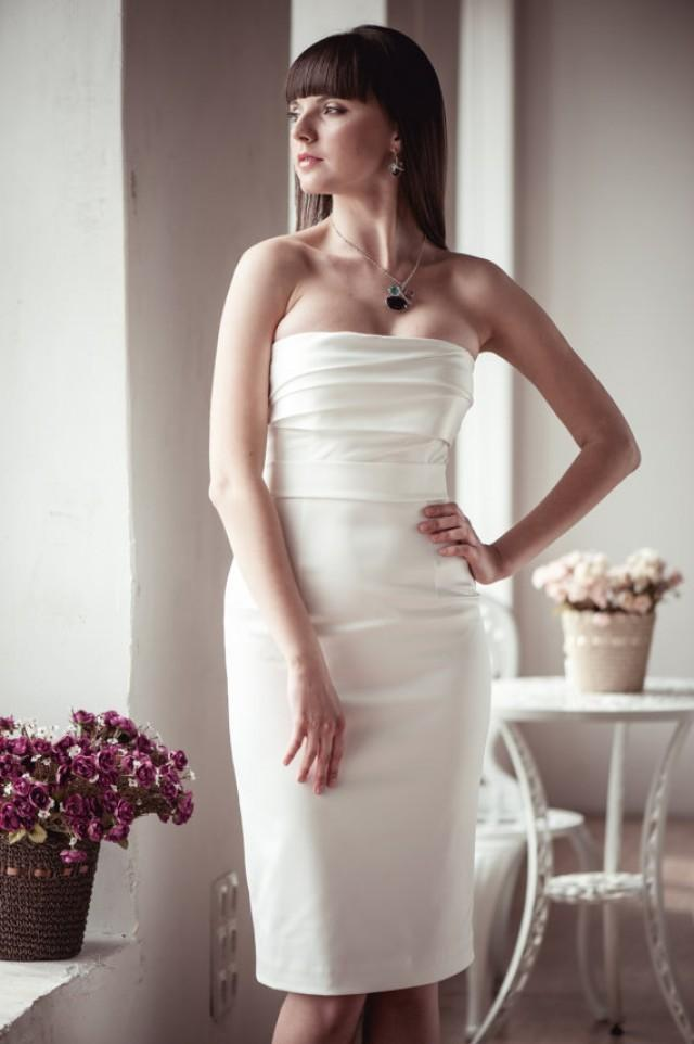wedding photo - Fitted style short wedding dress M6