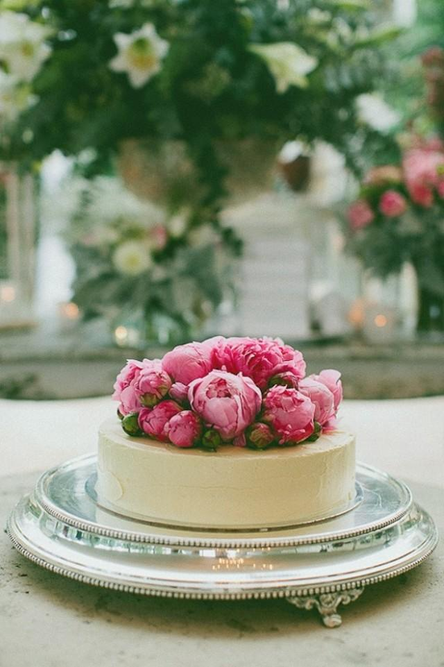Unique Single-Layer Wedding Cakes To Spice Up Your Dessert Table ...