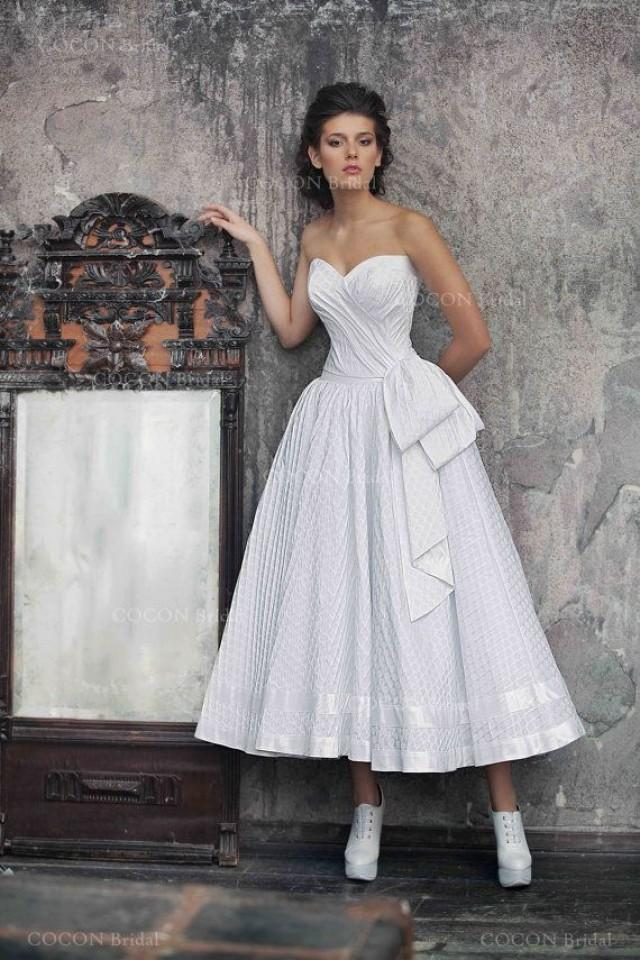 Polka dot wedding gown 50s wedding dress full skirt for Full skirt wedding dress