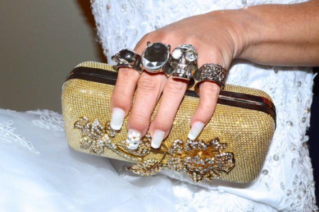 Skull Knuckle Ring Clutch