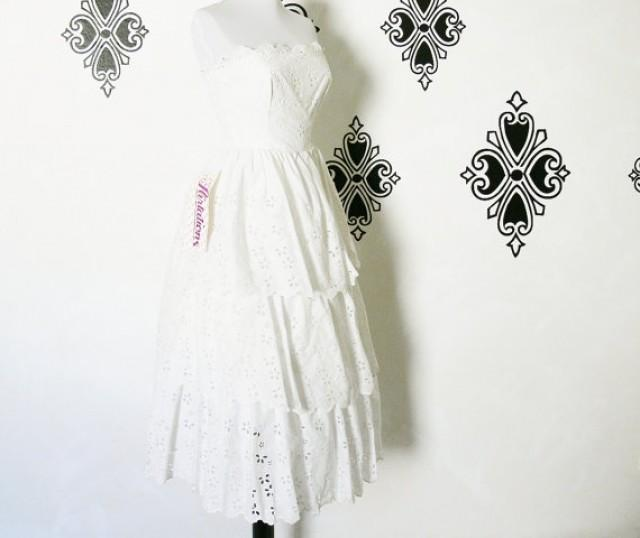 Vintage 80s does 50s white eyelet lace ruffled tiered for White cotton eyelet wedding dress