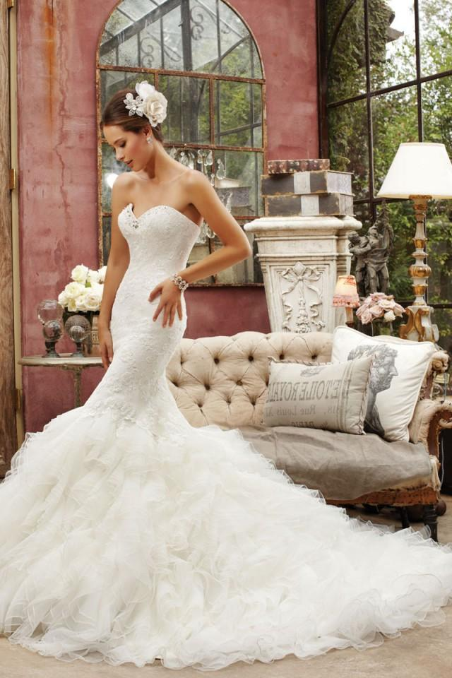 wedding photo - Mermaid/Trumpet Tulle,Lace Sweetheart Natural Waist Chapel Train Wedding Dress