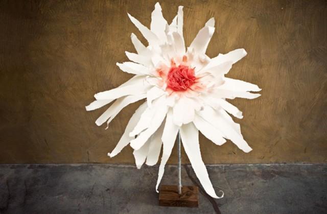 How to make giant paper flowers diy crafts handimania weddbook mightylinksfo