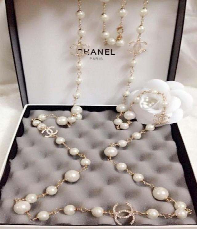 Chanel pearl accessories collection pictures