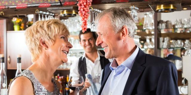 gay dating in your 50s That's why we talked to relationship experts on the 5 things every single women should know about men in their 40s 5 things women should know about men in their 40s august 10, 2016 by brianne hogan dating advice for women, dating in your 40s 0 0 0 3 0 dating in your 40s is nothing like dating in your 20s—and for good.