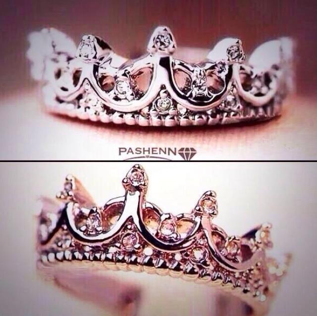wedding photo - Crown Ring