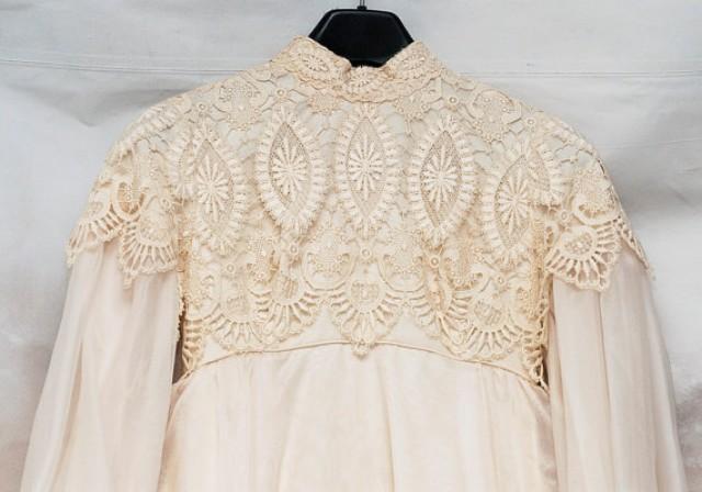 wedding photo - SALE! Edwardian Dress, Size 4-6 Dress, Lace Wedding Gown, Empire Waist Gown, 1970's Wedding Dress, Dress Train Veil