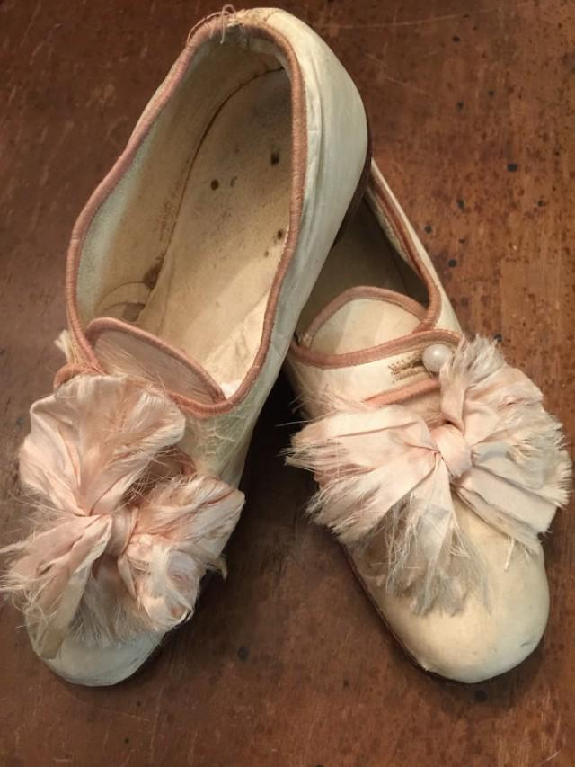 Beautiful Antique Victorian Childrens Silk Wedding Shoes Silk Bows 227666
