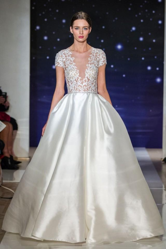 Reem acra spring 2016 wedding dresses weddbook for Reem acra lace wedding dress