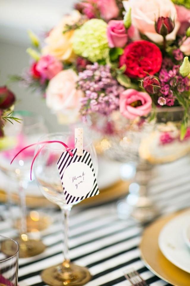 Id es wedding reception 2282769 weddbook for Idee repas reception amis