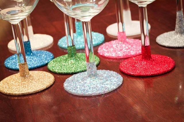 How to make glitter wine glasses diy crafts How to make wine glasses sparkle