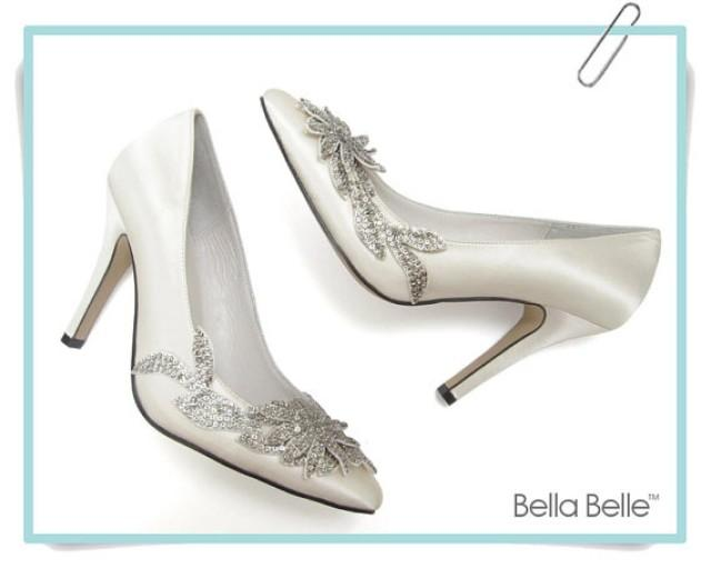 The Lace & Favour shoe collection features wedding and occasion shoes from the most trusted of brands including Rainbow Club, Harriet Wilde, Rachel Simpson, Benjamin Adams, Pink Paradox London and weeny.tk our wedding shoes have been selected for both sophisticated styling and comfort, and are made from top quality materials featuring duchess silk, the softest leather and Swarovski crystals.