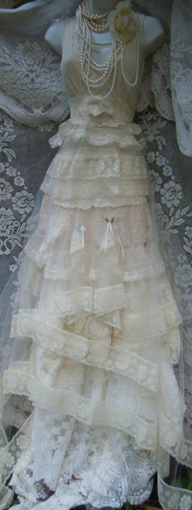 Lace wedding dress ivory cream tulle vintage boho romantic for Ivory vintage lace wedding dress