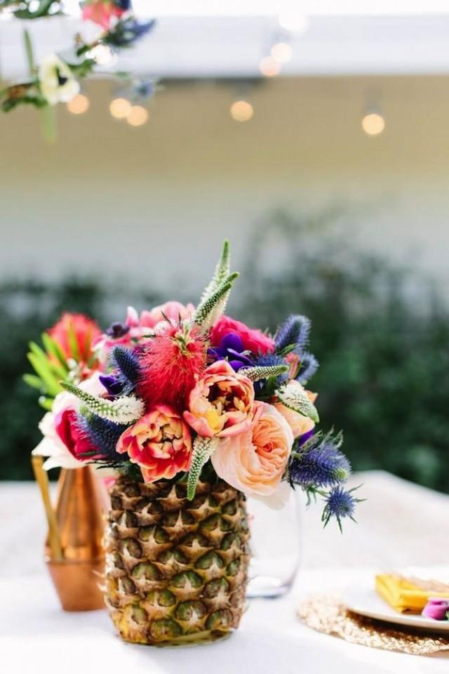 Summer wedding pineapple decor 2289941 weddbook for Decoration ananas