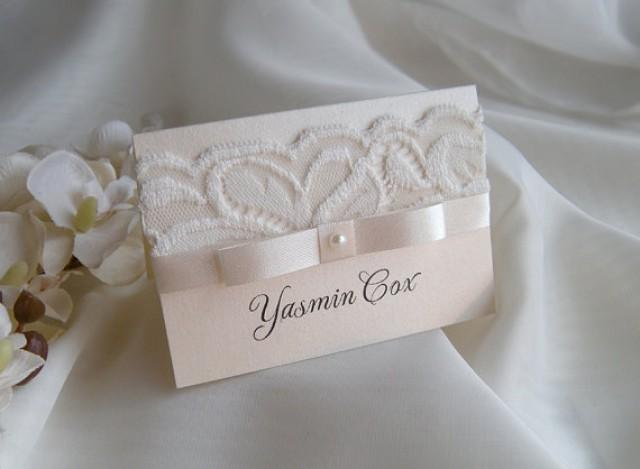 Place cards sample place cards name card white wedding for Place card for wedding