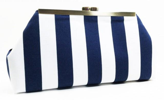 Clutch Bags A style for all occasions, find the perfect evening, race day or bridal clutch bag here. Choose from a selection of delicately embroidered, embellished, hardcase or fabric designs in various, on-trend colours and patterns.