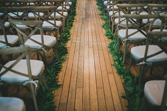 Simple Ceremony Decorations: Simple Summer Wedding Aisle Decor